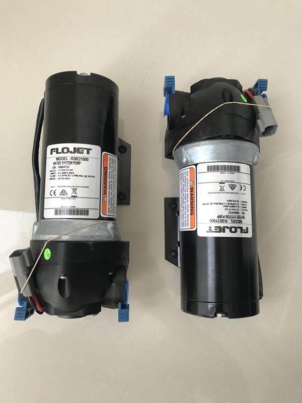 维特根W100铣刨机洒水泵