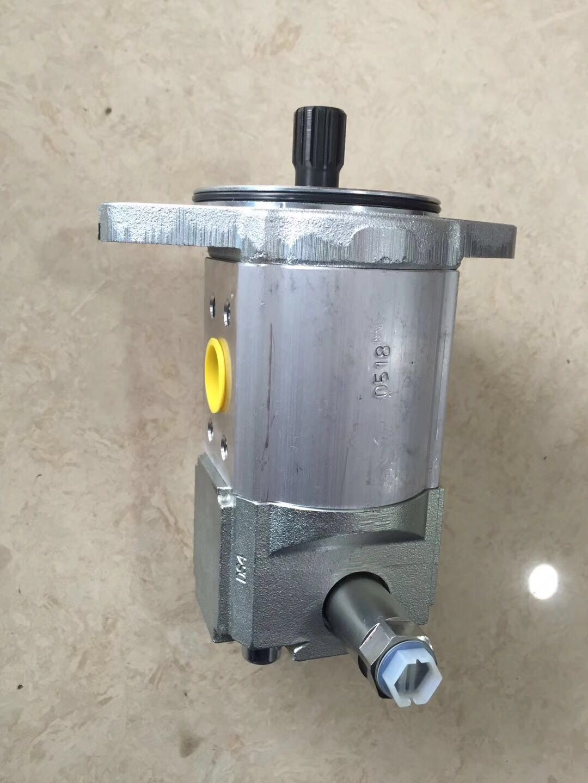 戴纳派克CC622压路机转向补油泵